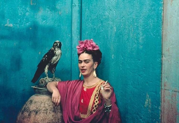 Los Vestidos De Frida Kahlo Malba
