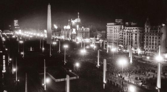 Juan Di Sandro. Inauguración de la Avenida 9 de julio, 1937.