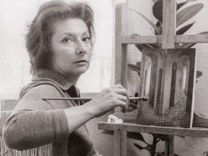 """Kati Horna. Sin título (Remedios Varo en su estudio pintando """"La despedida""""), ca. 1957-58 [Detalle]."""