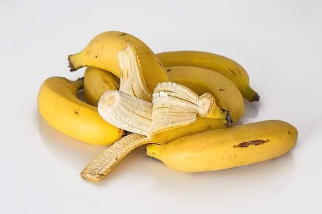 Banana, um exemplo de fruto partenocárpio.