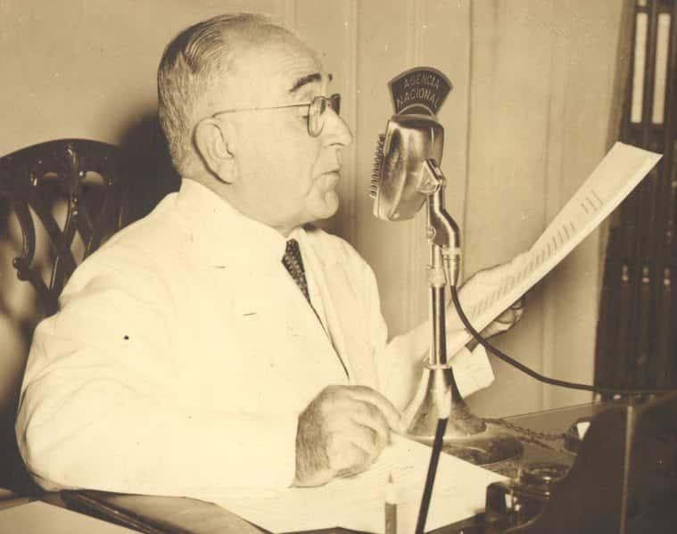 Getúlio Vargas em discurso no Rádio (1954).