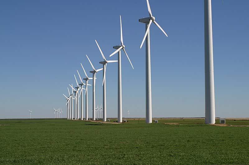 Parque de energia eólica, um tipo de Fonte de Energia Renovável.