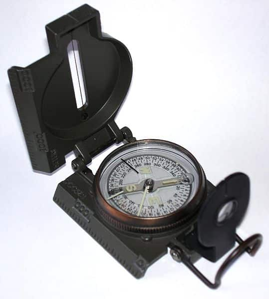 Modelo de bússola moderna que é utilizada atualmente.