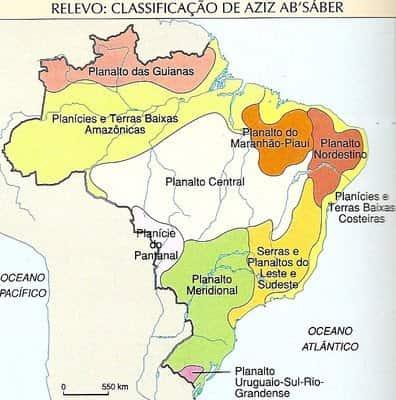 Classificação do Relevo Brasileiro por Aziz Ab'Saber em meados da década de 60.