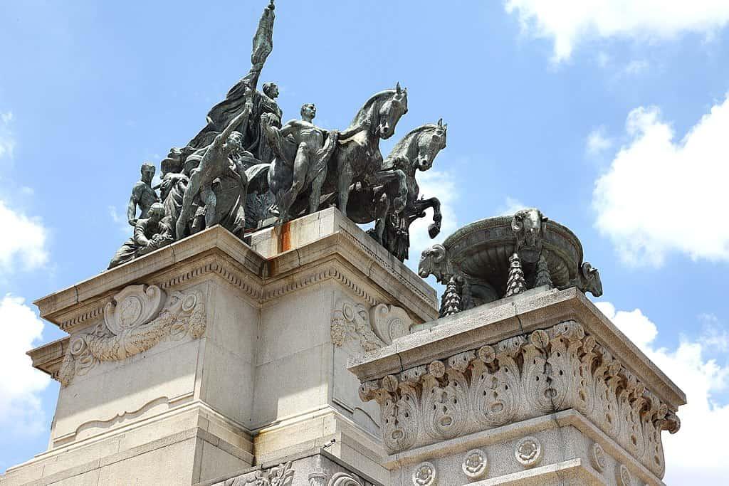 Monumento do Ipiranga ou Altar da Pátria, um conjunto em granito e bronze, as margens do Riacho do Ipiranga, onde D. Pedro I proclamou a independência do Brasil, de Portugal em 7 de setembro de 1822