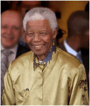 Nelson Mandela, um dos principais líderes políticos contra da luta contra o apartheid.