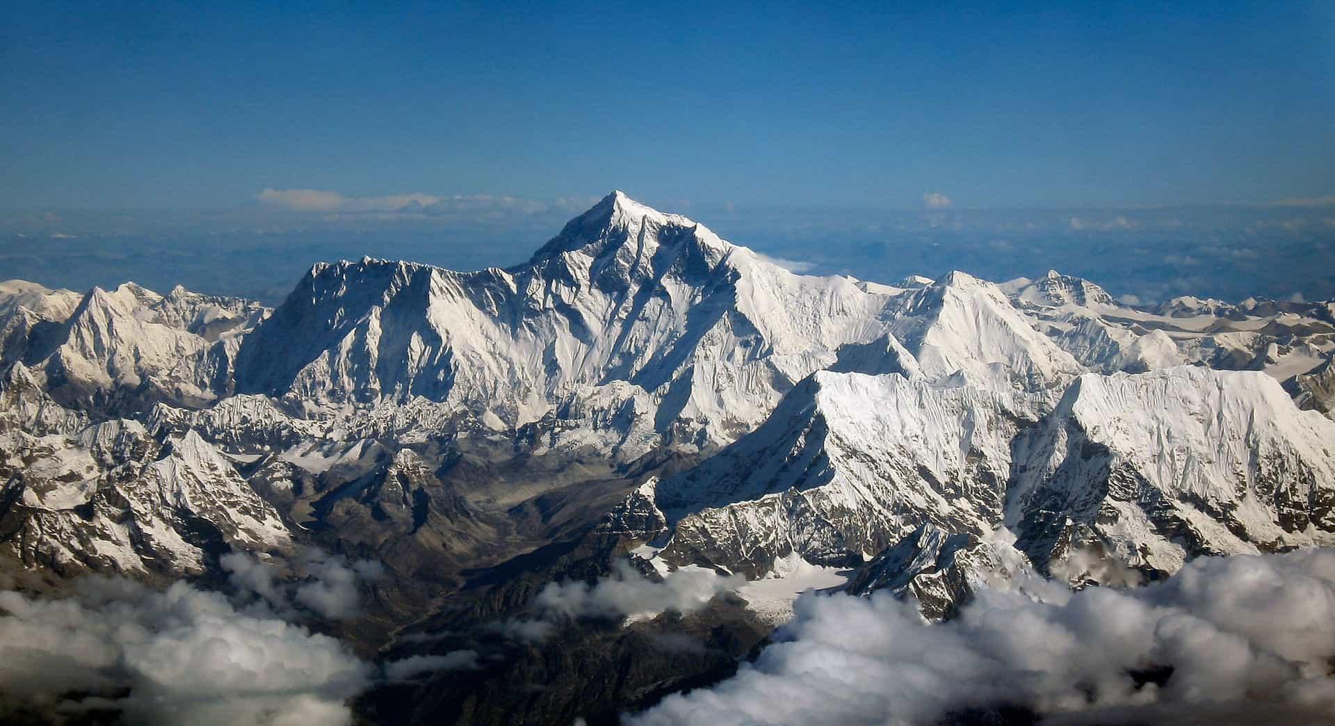 Os Himalaias, a cadeia montanhosa mais alta do mundo.