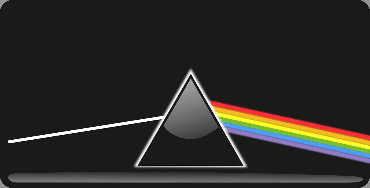 A imagem acima mostra um raio de luz branca se decompondo em diversas cores pela refração em um prisma.