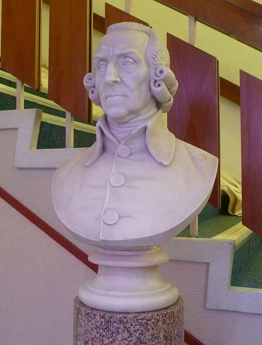 Busto de Adam Smith, mais importante teórico do liberalismo econômico.