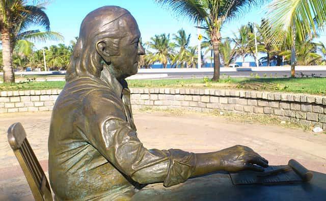 Estátua de Vinícius de Moraes