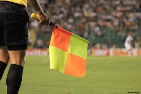 arbitragem-trio-arbitro-juiz-bandeirinha