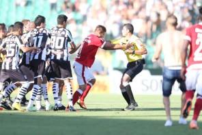 Três jogadores do Figueira foram punidos devido à confusão no jogo contra o Inter