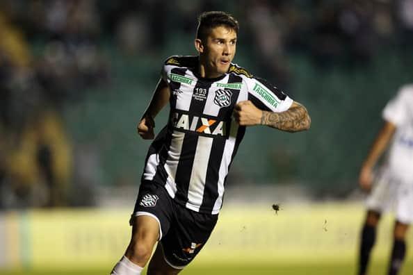 Figueirense confirma retorno do atacante Everaldo