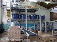 Envasadora de produtos sanenantes