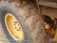 Retroescavadeira CASE 580H    Ano 81