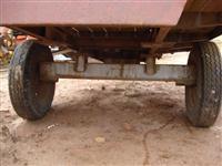 Carreta fachine para 4 toneladas 2x8o de comprimento