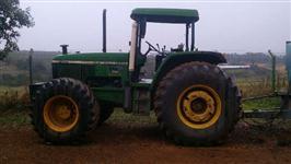 Trator John Deere 7500 4x4 ano 02