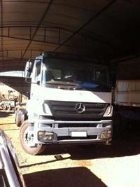 Caminh�o  Mercedes Benz (MB) 3344 Plataforma  ano 09