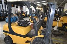 Empilhadeira Yale Ano 2006 para 2.5 toneladas