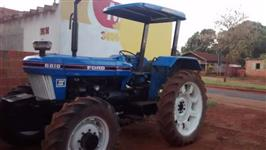 Trator Ford/New Holland 6610 4x4 ano