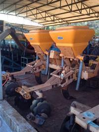 Cultivador e adubador de cana DMB