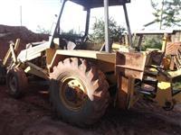 retro escavadeira mf86 ano 90