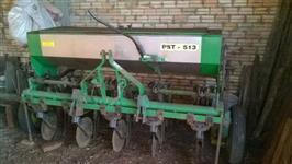 Semeadeira KF modelo PST 513, ano 2002 pula pedra kit completo Soja/Trigo/Milho
