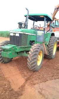 Trator John Deere 6600 4x4 ano 97