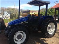 Trator Ford/New Holland TL 80 4x4 ano 04