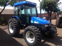 Trator Ford/New Holland TL 85 4x4 ano 08