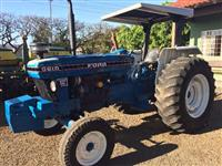 Trator Ford/New Holland 5610 4x2 ano 84