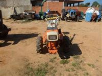 Trator Yanmar Modelos 4x2 ano 01