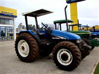 Trator Ford/New Holland TL85 4x4 ano 02
