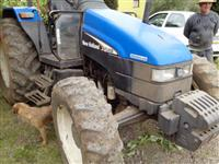 Trator Ford/New Holland TL 65 4x4 ano 02