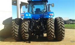 Trator Ford/New Holland T8.270 4x4 ano 13