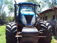 Trator Ford/New Holland T 7 245 4x4 ano 12