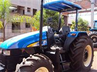 Trator Ford/New Holland TL 85 4x4 ano 12
