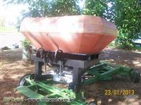 Distribuidor adubo calcario sementes ureia hidraulico duplo