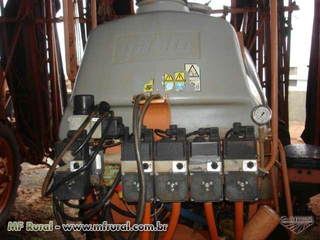 Pulverizador jacto 3000 litros advance comando eletrico eletronico a cabo vortex