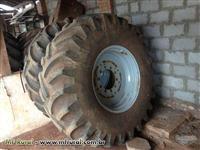 Pneus agrícolas Pirelli TM95 - 24,5