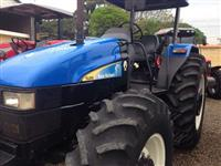 Trator Ford/New Holland TL 85 e 4x4 ano 12