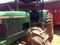 Trator John Deere 6300 4x4 ano 03