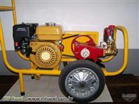 Pulverizador estacionário com carrinho e motor a gasolina