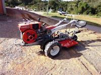 Mini/Micro Trator TC 10 4x2 ano