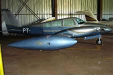 Vendo aviao modelo PIPER- ComancheTwin