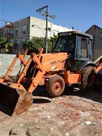 RETRO CAT 420E 4X4 CABINE FECHADA ANO 2007