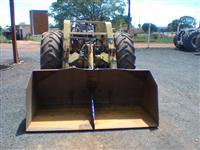 Trator Massey Ferguson 85 X 4x2 ano 76