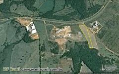 VENDO ÁREA RURAL C/ 20.000 MTS NA PISTA, 4,5 KM DE SACRAMENTO RODOVIA MG 190 -