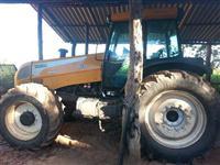 Trator Valtra/Valmet BH180 4x4 ano 09