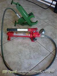 Ferramenta para desmontagem de pneus